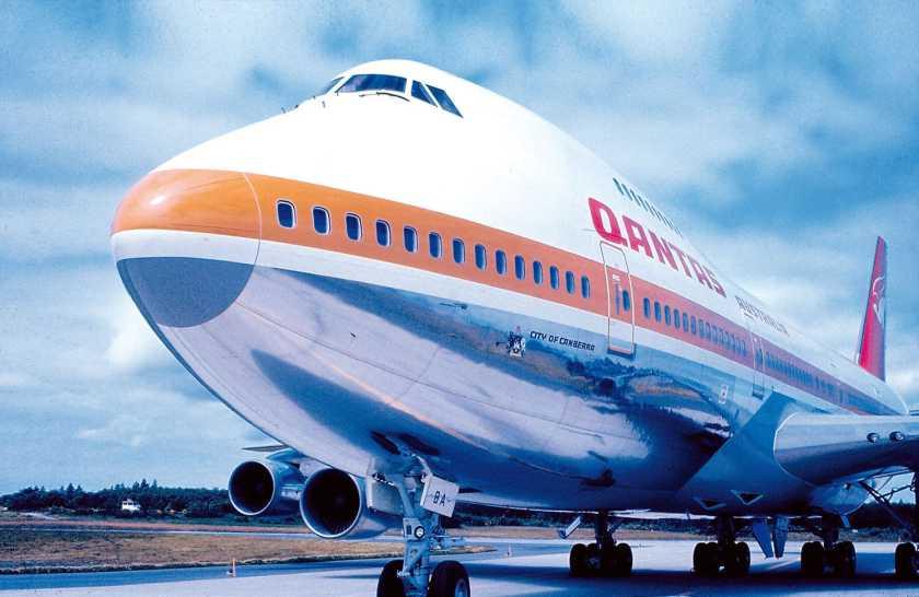 "Qantas Boeing 747-238B ""City Of Canberra"""