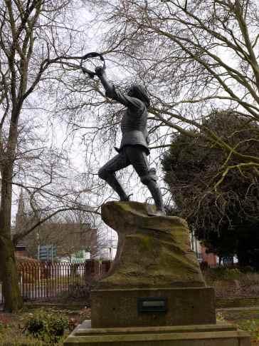 Richard lll Statue
