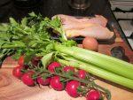 フレンチパパの家庭料理ー風邪に効くチキンとセロリのスープ