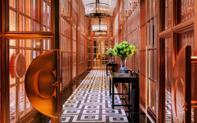 Living in Edwardian Luxury with Rosewood London - Rose Bronze Gallery