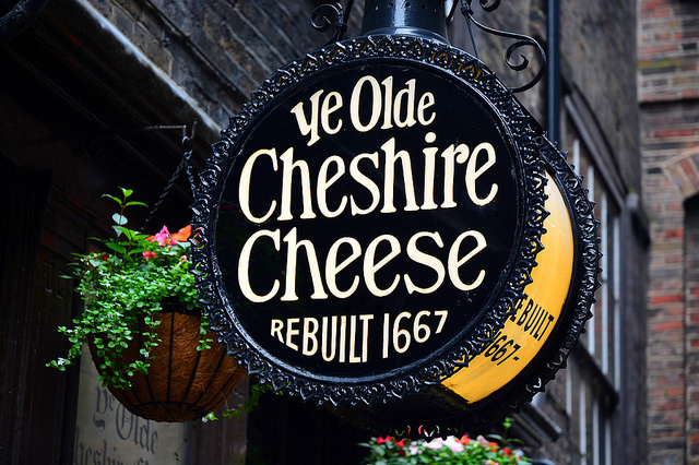 London's historical pubs, churches and landmark buildings - Ye Olde Cheshire Cheese - By George Rex - Via Flickr