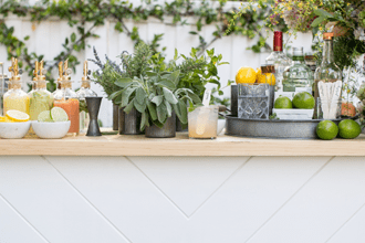 How To Throw An 'Instagramable' Garden Party - Image Via SugarAndCharm.com
