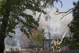 http://www.lfpress.com/2017/06/14/crews-battling-blaze-at-home-on-leyton-crescent