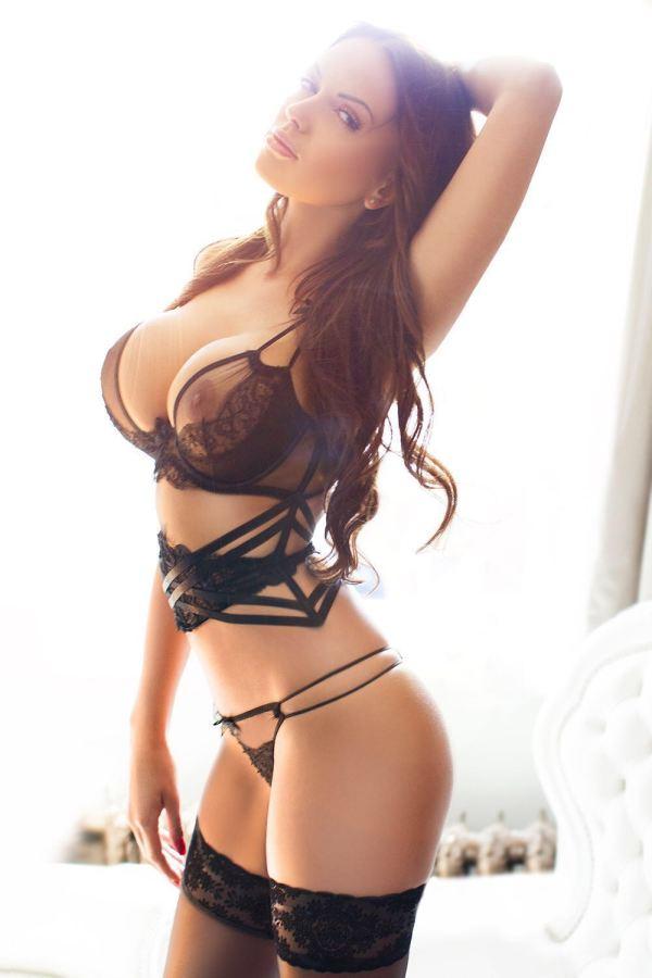 Angelina Kensington Escort