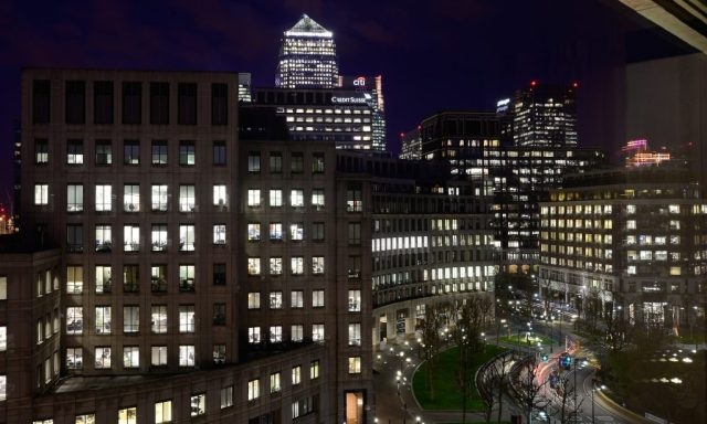 canary-wharf-at-night-2