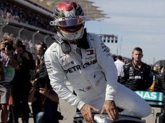 Lewis Hamilton wins 6th world title