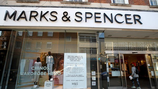Mark & Spencer reports losses in profits