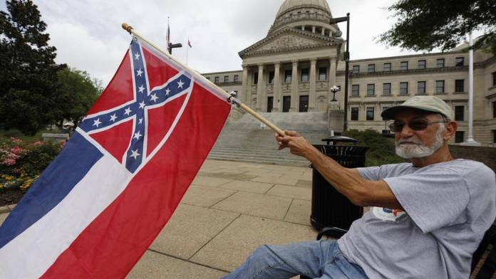 Mississippi moves towards removing confederate flag