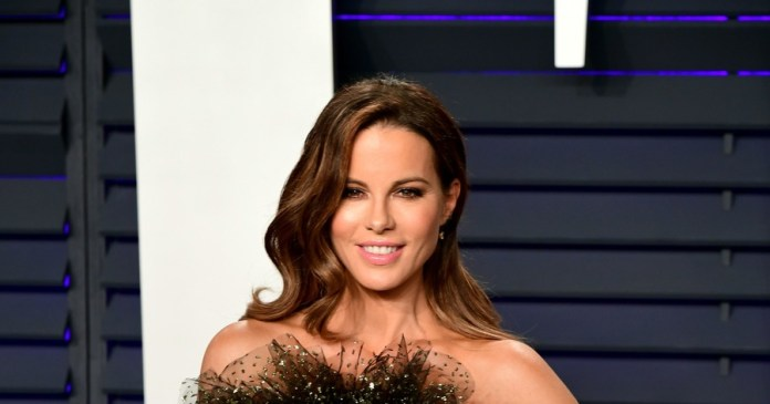 Kate Beckinsale shares support to Chrissy Teigen for her miscarriage