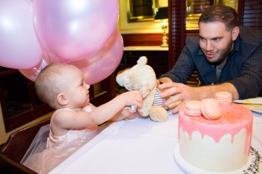 babys-first-birthday-party-checklist-09