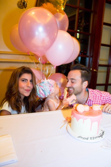 babys-first-birthday-party-checklist-15