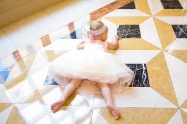 babys-first-birthday-party-checklist-24