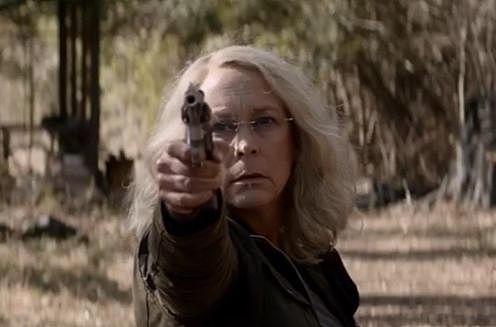 Laurie Strode with a gun