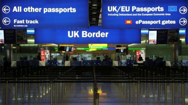 Seja um viajante registrado e passe mais rápido pela imigração inglesa