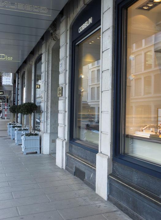 geneva-shopping.jpg-res-525