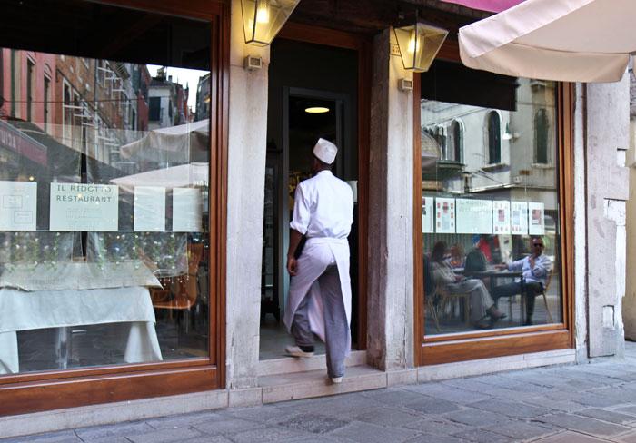 Il-Ridotto-entrance-res-700