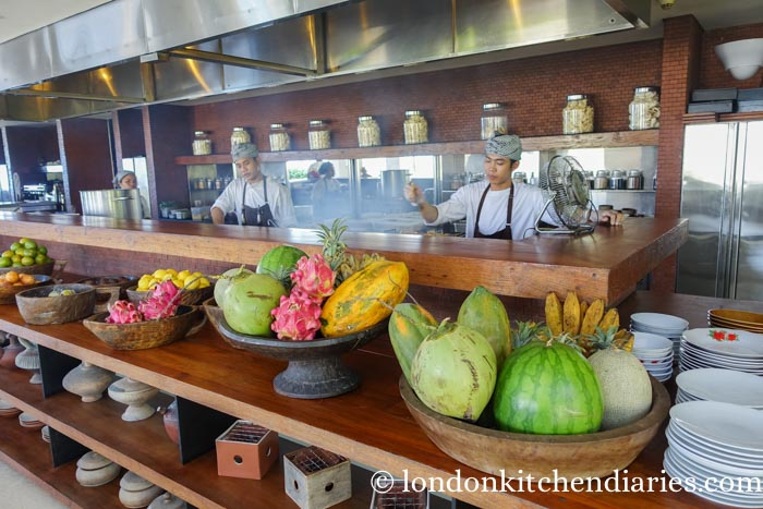 Warung's open kitchen at Alila Villas Uluwatu in Bali