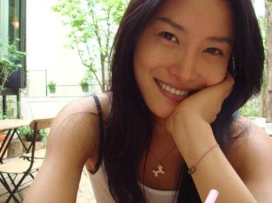 Lee Eon-jeong / Lee Sabi