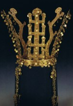 Silla dynasty gold crown