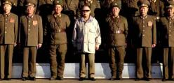 Kim Jong-il examines the troops