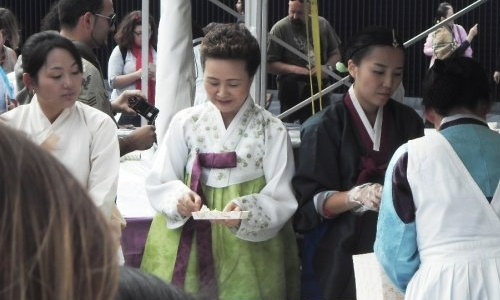 Yoon Sook-ja of the Institute of Traditional Korean Food at the Thames Festival. But who knew she was going to be there?