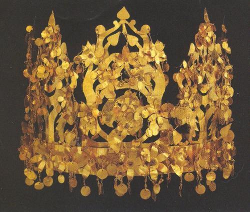 Tillya Tepe crown