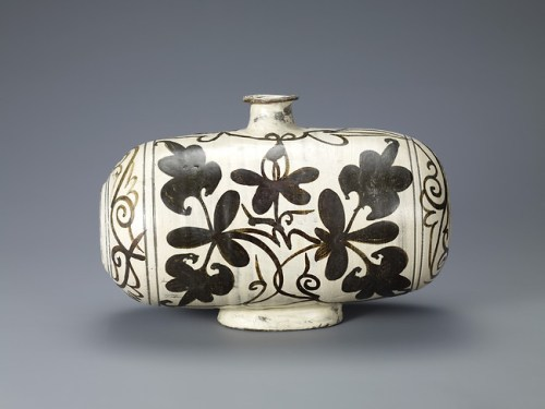Drum-Shaped Bottle with Peony Decoration