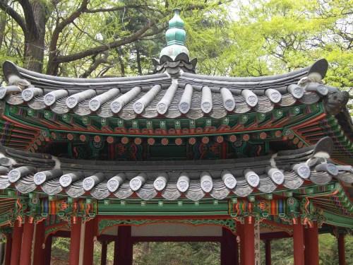 The double-hexagon roof of the Jondeokjeong