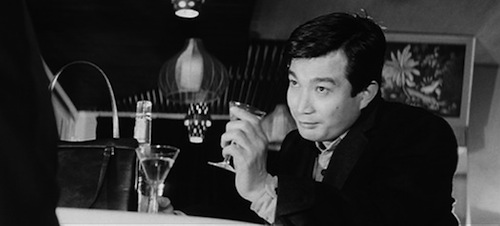 Heo-wook drowns his sorrows and picks up a girl - a typical Sunday afternoon in late 1960s Seoul?