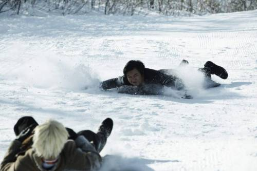 Lee in cold pursuit of the Japanese archvillain down a Swiss ski-slope