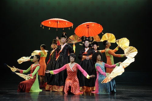 The most widely used press photo of the Princess Bari production, showing the opulent design. Photo by Youngmo Choi