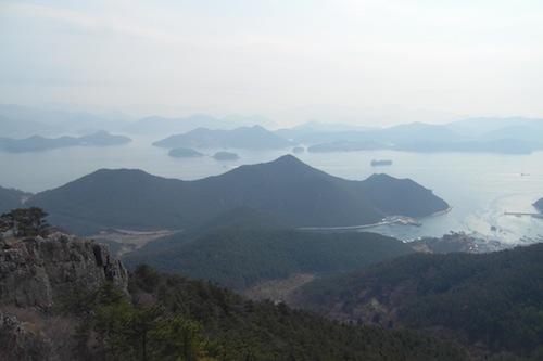 The view towards Hansando and Geojedo from the Mireuksan cable car on Mireukdo