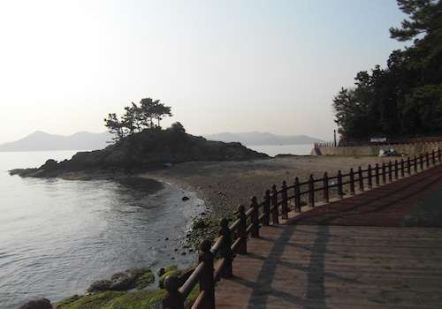 The track which leads invitingly around the coast of Mireukdo