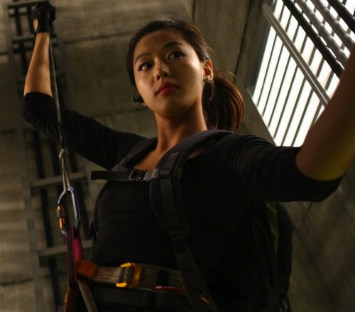 Jeon Ji-hyun as someone that sounds like Anycall