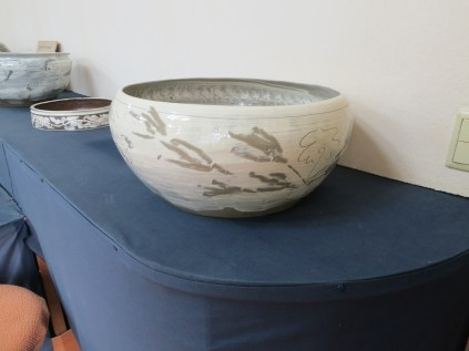 One of Min Young-ki's finished large buncheong bowls