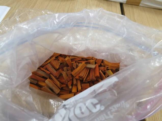 Sappan Wood (소목) gives a natural pinky-red