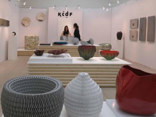 Front left: Bae Sejin: Waiting for Godot - ceramic vases
