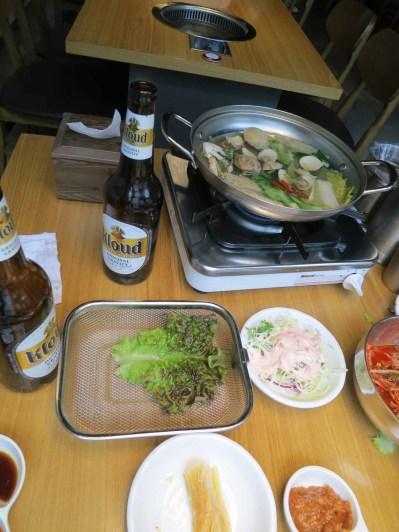 At 고기 굽는 男子, Busan, 2 June 2015