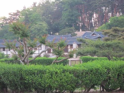 Gangneung's splended Seongyojang villa