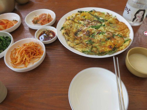 Pajeon and dongdongju