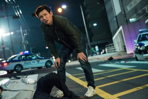Hwang Jung-min in Vetera