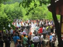 Daegwallyeong Guksaseonghwangje: waiting for the ceremony to start