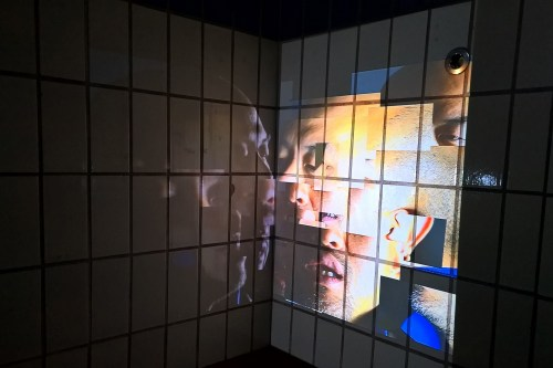 The first room in Shin Kiwoun's exhibition