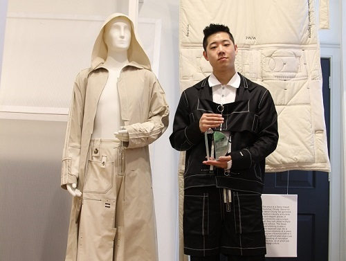 Younchan Chung of the-sirius with his International Fashion Showcase award