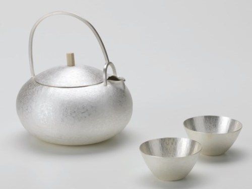 Jung Yu Ri: Kettle and cup (2015)