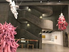 Lee Bul - Crashing. Installation view