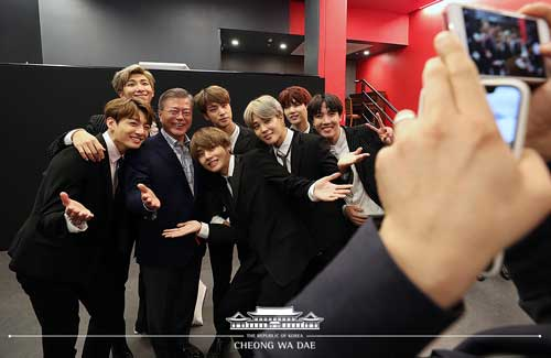 BTS in Paris with President Moon