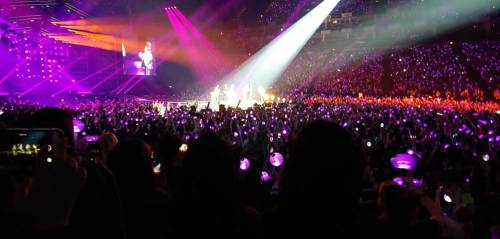 BTS performing 'Mic Drop' complete with dance break