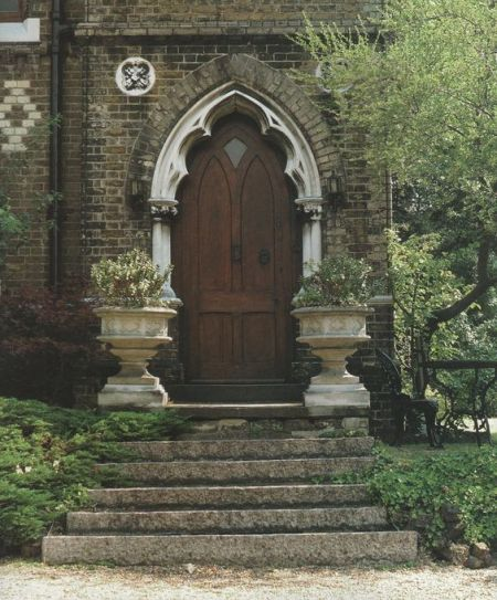 Goth Gardening - Victorian Entrance with gothic look