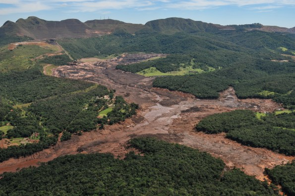 Brumadinho, a week after the tailings dam collapse. Photo credit: Felipe Werneck/Ibama